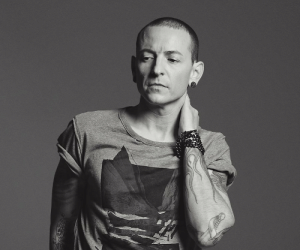 Music, News, and Tumblr: rwbasilotto:  RIP Chester Bennington the music world lost an incredible artist.  I grew up with Linkin Park and this news really shook me up.
