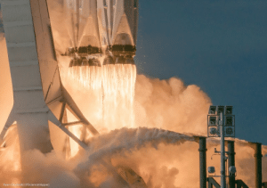 photos-of-space:  You can actually read the core numbers printed on the rockets - SpaceX Falcon Heavy launch [OC][2048x1440]: Ryan Chylinski (@Sciencetripper) photos-of-space:  You can actually read the core numbers printed on the rockets - SpaceX Falcon Heavy launch [OC][2048x1440]
