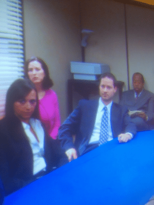 "S3E8 ""The Merger"" Who is this random guy sitting behind Karen during the Night at the Roxbury scene? He's nowhere else in the episode...: S3E8 ""The Merger"" Who is this random guy sitting behind Karen during the Night at the Roxbury scene? He's nowhere else in the episode..."