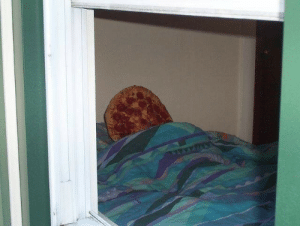 """saddestblogger: cactimom:   saddestblogger:  caught the bae sleepin   now why would u waste a perfectly good pizza:(   that """"waste"""" happens to be my wife getting her beauty sleep. think before you speak : saddestblogger: cactimom:   saddestblogger:  caught the bae sleepin   now why would u waste a perfectly good pizza:(   that """"waste"""" happens to be my wife getting her beauty sleep. think before you speak"""
