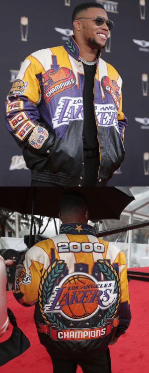 .@saquon's jacket. 💜💛  📺: #NFLHonors | Tonight at 8PM ET on FOX https://t.co/WZfdYIdy5l: .@saquon's jacket. 💜💛  📺: #NFLHonors | Tonight at 8PM ET on FOX https://t.co/WZfdYIdy5l