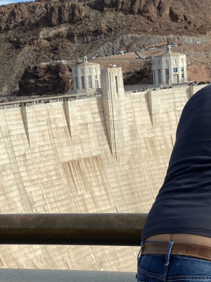 Saw a crack in the Hoover Dam: Saw a crack in the Hoover Dam