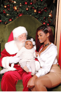 Lmaoo Santa looking like he about to risk it all...: se Lmaoo Santa looking like he about to risk it all...