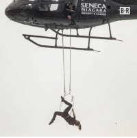 Erendira Wallenda dangled 300 feet over the Niagara Falls using only her teeth 😳: SENECA  RESORT& CASINO  BR Erendira Wallenda dangled 300 feet over the Niagara Falls using only her teeth 😳
