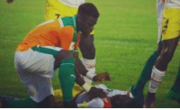 Life, Soccer, and Help: Serge Aurier helped save the life of opponent Moussa Doumbia who swallowed his tongue during Mali's clash with Ivory Coast on Saturday. 👏