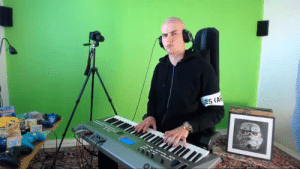 Africa, Tumblr, and Beats: setheverman:uuhhhh when you try all the sounds and beats on your synth while only playing toto - africa