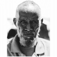 Memes, Best, and World: sge' In Somali, when we see injustice we say 'dhiiga kuma dhaqaaqo?' which translates into, does your blood not move?' @wu_shire Picture by one of the best photographers in the world @yescene Somali man dem lovearmyhumans lovearmy