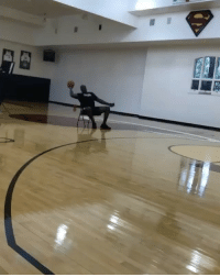 Memes, Shaq, and Wshh: Shaq hits a one handed three pointer while sitting down! 🏀👍💯 @Shaq WSHH