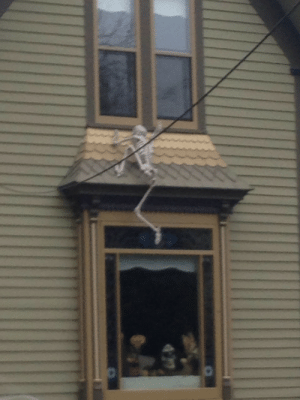 shark-b0y:  JOIN THE SKELETON WAR, THEY SAID. IT'LL BE FUN, THEY SAID. WELL YOU KNOW WHAT? HERE I AM CLIMBING UP THE SIDE OF A FUCKING BUILDING BECAUSE OF THIS SHIT ASS WAR. FUCK YOU, JERRY, THIS WAS A HORRIBLE IDEA : shark-b0y:  JOIN THE SKELETON WAR, THEY SAID. IT'LL BE FUN, THEY SAID. WELL YOU KNOW WHAT? HERE I AM CLIMBING UP THE SIDE OF A FUCKING BUILDING BECAUSE OF THIS SHIT ASS WAR. FUCK YOU, JERRY, THIS WAS A HORRIBLE IDEA