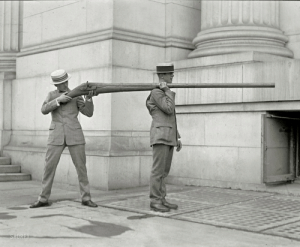 """Ctfu, Gif, and Shit: SHORPY elionking:  woodmeat:  dequalized: This is a """"Punt Gun"""", formerly used for duck hunting and had the potential to kill 50 birds at once. It was banned in the late 1860's. Photo taken in Washington DC, July 1923.  They got that from acme or some shit ctfu"""