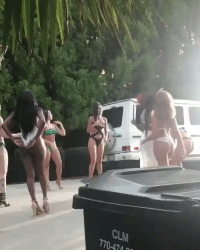 Smack that! Singer Akon dunking on a group of women wearing swimsuits and high heels!   (Via @TheHoopCentral) https://t.co/BIKZLSmy8R: Smack that! Singer Akon dunking on a group of women wearing swimsuits and high heels!   (Via @TheHoopCentral) https://t.co/BIKZLSmy8R