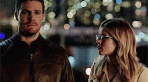 smoakandarrow:  shadow-in-nightmares:  Look at his sad puppy face and wifey comforting him  Damn Stephen Amell and his acting and the chemistry and just zazzle of he and Emily Bett on the screen.  : smoakandarrow:  shadow-in-nightmares:  Look at his sad puppy face and wifey comforting him  Damn Stephen Amell and his acting and the chemistry and just zazzle of he and Emily Bett on the screen.