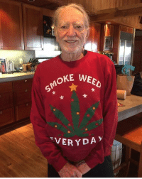 willienelson shows off the Christmas sweater snoopdogg gave him: SMOKE WEED  VERYDA willienelson shows off the Christmas sweater snoopdogg gave him