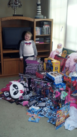 Boo, Children, and Christmas: smuppetbuttfluff:  veedeerest:  leanonberger:  summersxdelight:  durianseeds:   This is Alana Thompson aka Honey Boo Boo (Child). She received $1700 dollars in donations from fans all around the world. Instead of keeping it for herself, using it for pageants, or for something else, she purchased toys for needy children in her area. Her family gives to the needy AND supports equality for gays? Fuck you to whoever disses her. She's 7 and shows more compassion than most people three times her age.  She's my queen.  That is totally for publicity!  oh my god you're right let's ignore this canned food drive they held too  oh right and this? $1300 in cash donated by fans to buy just THIS image of all these toys? and oh shi-  this extreme amount of TOYS AND FOOD donated in a SINGLE night via their Christmas meet and greets with Santa (which Sugarbear dresses as Santa in the sweltering Georgia winter heat for hours at a time) is all publicity and the fact that they take pictures of themselves with the *ALL* letters and trinkets their fans send them?  oh gosh, yes, this is totally publicity  Seriously, no one has any reason to talk crap on this family. They have never done a single thing wrong and look at all of the good they do for their community.  People hate them because they are Southern, overweight, and successful while still managing to be wonderful people.
