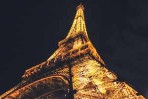 Snapped a shot of the Eiffel Tower back when travel was legal/safe [OC].: Snapped a shot of the Eiffel Tower back when travel was legal/safe [OC].