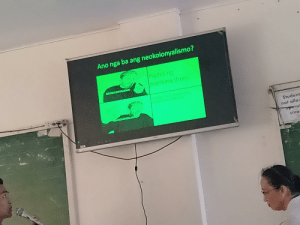 So my friend made a PowerPoint to present in class with a pewdiepie meme (sry for bad quallity): So my friend made a PowerPoint to present in class with a pewdiepie meme (sry for bad quallity)