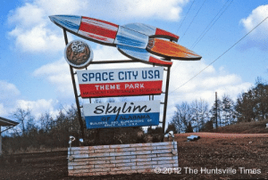 scifiseries:  Space City USA: unfinished theme park (early 60s): SPACE CITY USA  THEME PARK  AMUSE  EAT  QUILDERS ANO SUPERMSORG Or  SPACE CITY USA  2012 The Huntsvile Times scifiseries:  Space City USA: unfinished theme park (early 60s)