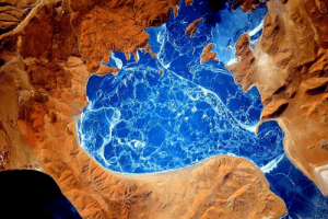 space-pics:  A frozen lake in the Himalayas as seen from the International Space Station: space-pics:  A frozen lake in the Himalayas as seen from the International Space Station