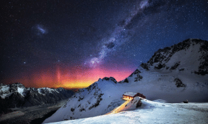 space-pics:  Aurora Australis above Plateau Hut, New Zealand. Photo by Jay Daley. [2048 x 1219]: space-pics:  Aurora Australis above Plateau Hut, New Zealand. Photo by Jay Daley. [2048 x 1219]