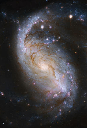 space-pics:  Barred Spiral Galaxy from Hubble: space-pics:  Barred Spiral Galaxy from Hubble