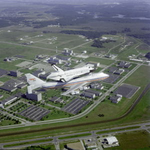 space-pics:  Challenger Ferry Flight Flyover by NASA on The Commons: space-pics:  Challenger Ferry Flight Flyover by NASA on The Commons