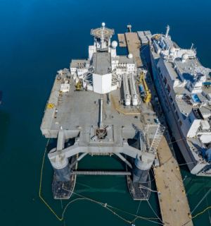 space-pics:  Launchpad of the SeaLaunch Odyssey, a self-propelled semi-submersible oil rig-turned-spaceport: space-pics:  Launchpad of the SeaLaunch Odyssey, a self-propelled semi-submersible oil rig-turned-spaceport