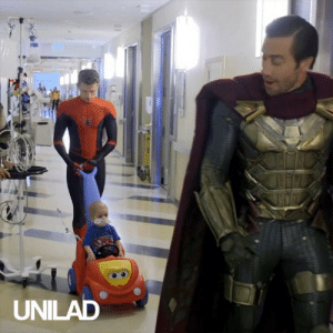 Tom Holland, Zendaya and Jake Gyllenhaal visited the patients at Los Angeles Children's Hospital in their actual outfits from the films! Absolute heroes 👏👏: SPIDE  UNILAD Tom Holland, Zendaya and Jake Gyllenhaal visited the patients at Los Angeles Children's Hospital in their actual outfits from the films! Absolute heroes 👏👏