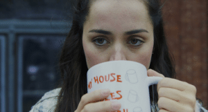 """[Spoiler] In the last shot of Knives Out (2019), there is a major goof. Marta holds a coffee cup that says """"MY HOUSE"""". It should actually say """"MI CASA"""" as her family is from Bolivia.: [Spoiler] In the last shot of Knives Out (2019), there is a major goof. Marta holds a coffee cup that says """"MY HOUSE"""". It should actually say """"MI CASA"""" as her family is from Bolivia."""