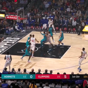 Kawhi continues to put up big numbers: 30 PTS (10-18 FG), 7 REB, 6 AST, 3 BLK, 2 STL in just 30 MINS!  https://t.co/MRaJcUgrQx: State Farn  AG  CALI EN  40  20  21  1-2 0  5  CLIPPERS  HORNETS  2-1  1st Qtr  10:3  27 Kawhi continues to put up big numbers: 30 PTS (10-18 FG), 7 REB, 6 AST, 3 BLK, 2 STL in just 30 MINS!  https://t.co/MRaJcUgrQx