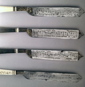 collectorsweekly: Notation knives, with one side featuring an engraved benediction to be sung before a meal and the reverse with a grace to be sung after eating, artist unknown, c. 16th century. Fitzwilliam Museum Collection, Cambridge. (Via ThisIsColossal) : Stepertus  Grafiarum aio  grafias a  Pimus  Pro turs beneficus de  Graffarum aclio  Contratenor  X  Pro tuis beneffciis deus gratías agimus ti  bi  Gratiarum actio  Tenor  Pro fuis beneficis déus grafias  agimus, tibi  Gralfarum ia  Pro  IN FRACTAVIRUV  AD ST DERA  TENDIT collectorsweekly: Notation knives, with one side featuring an engraved benediction to be sung before a meal and the reverse with a grace to be sung after eating, artist unknown, c. 16th century. Fitzwilliam Museum Collection, Cambridge. (Via ThisIsColossal)