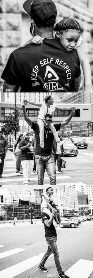 Stephen Jackson walking around Minneapolis with George Floyd's 6-year-old daughter, Gianna, on his shoulders.   📷 skrptz/IG https://t.co/Ocv8WHhEpx: Stephen Jackson walking around Minneapolis with George Floyd's 6-year-old daughter, Gianna, on his shoulders.   📷 skrptz/IG https://t.co/Ocv8WHhEpx