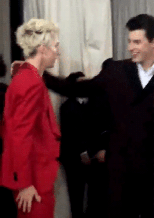 str8s:  thebianthem:Troye Sivan and Shawn Mendes @The Met Gala 2018  : str8s:  thebianthem:Troye Sivan and Shawn Mendes @The Met Gala 2018