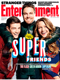 "Capa da edição especial da revista do Entertainment Weekly, com o Super Amigos Grant Gustin, Stephen Amell e Melissa Benoist - a trindade da CW.  ""É um passáro! É um avião! É um crossover épico estrelando o Flash, o Arqueiro Verde e a Supergirl... e dezenas de outros!"": STRANGER T  GS  SCOOP ON NEW ROLES  ANDA GOONIES  CONNECTION 130  WEEKLY  GRANT GUSTIN  Nov. 18, 2016  1440  BENOIST  EXCLUSIVE  PREVIEW  FRIENDS  ITISABIRD! IT'SAPLANE!IT SANEPICCROSSOVERSTARRIN  THE FLASH GREENARROW SUPERGIRL  &DOZENS MORE! Capa da edição especial da revista do Entertainment Weekly, com o Super Amigos Grant Gustin, Stephen Amell e Melissa Benoist - a trindade da CW.  ""É um passáro! É um avião! É um crossover épico estrelando o Flash, o Arqueiro Verde e a Supergirl... e dezenas de outros!"""