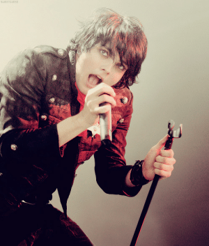 sweetcurse: [5/50] Pictures of Gerard Way.  : SWEETCURSE sweetcurse: [5/50] Pictures of Gerard Way.