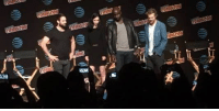 Charlie, Finn, and Ironic: t4b  (0 glimaon , d冒忆14 es iinary  oe Finn Jones (Iron Fist) is joined on stage by Charlie Cox (Daredevil), Krysten Ritter (Jessica Jones), and Mike Colter (Luke Cage)! THE DEFENDERS!  (Andrew Gifford)