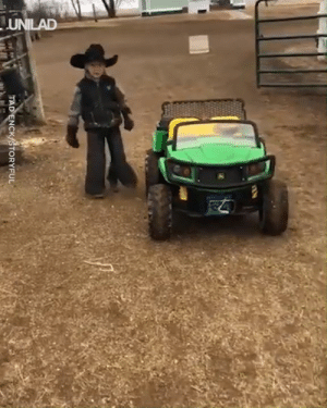 Dank, Horses, and 🤖: TAD ENCK/STORYFUL This helpful little man loves helping out with feeding the horses 😍🐴