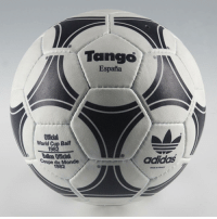 Do you remember this beauty? 😍⚽ WorldCup Tango ThrowbackThursday TBT ball beautiful memories: Tango  Espana  Official  World Cup Ball  adidas  Coupe du Monde  1982 Do you remember this beauty? 😍⚽ WorldCup Tango ThrowbackThursday TBT ball beautiful memories