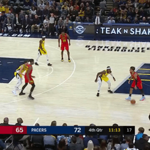 TRAE YOUNG 🔥  49 PTS (tie career high) 21 PTS in 4th quarter  16-28 FG 8-15 3PT 9-9 FT 6 AST 2 STL    https://t.co/LqncDpSyvQ: TEAK N SHAH  COM  30  BANKERS LIF  FIEL DH  ர்  65  72  PACERS  4th Qtr  11:13  17 TRAE YOUNG 🔥  49 PTS (tie career high) 21 PTS in 4th quarter  16-28 FG 8-15 3PT 9-9 FT 6 AST 2 STL    https://t.co/LqncDpSyvQ