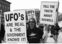 ufos: TELL THE I  UFO'STRUTH  ARE RALABOUT  & THEE  ROSWELL  ARE REAL  & THE  GOVERNMENT  KNOWS IT!  UFO's  End JFO Secrecy