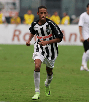 Ten years ago today, Neymar Jr. made his professional debut for Santos Futebol Clube, aged just 17 🇧🇷🙌 #ThrowbackThursday: Ten years ago today, Neymar Jr. made his professional debut for Santos Futebol Clube, aged just 17 🇧🇷🙌 #ThrowbackThursday
