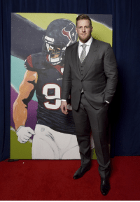 Memes, 🤖, and Tex: TEX .@JJWatt, the 2017 #WPMOY... with a MASSIVE painting of himself backstage! #NFLHonors https://t.co/aEPMAernwo
