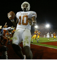 11 years ago today, Vince Young scored the winning TD in the final seconds of the national championship game to top USC at the Rose Bowl.: TEXAS  36  49 11 years ago today, Vince Young scored the winning TD in the final seconds of the national championship game to top USC at the Rose Bowl.