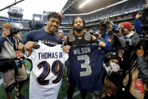 A swap back where it started.  @DangeRussWilson 🔁 @Earl_Thomas  #BALvsSEA https://t.co/6jHcNmS6ve: THANE  AVE  10  AHAWK  WILSON  THOMAS  2.9 3  E O  FREL PHOTO  0037 A swap back where it started.  @DangeRussWilson 🔁 @Earl_Thomas  #BALvsSEA https://t.co/6jHcNmS6ve