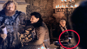 "The Game of Thrones' producers were told to emulate famous directors in order to give the best possible experience to the fans. That is why in episode ""The Last of the Starks"" (2019), they left a Starbucks cup in the scene, in order to copy David Fincher's Fight Club (1999).: The Game of Thrones' producers were told to emulate famous directors in order to give the best possible experience to the fans. That is why in episode ""The Last of the Starks"" (2019), they left a Starbucks cup in the scene, in order to copy David Fincher's Fight Club (1999)."