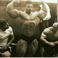 The man definately Lifts 💪💪: The man definately Lifts 💪💪