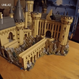 Dank, Lego, and 🤖: The new 6020-piece Lego Hogwarts Castle being built... I NEED this immediately 😍😲