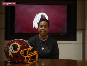 The Redskins have named Jennifer King as a full-year coaching intern. King is the first full season African American female coach in the NFL. (via @redskins) https://t.co/OuD411hqSr: The Redskins have named Jennifer King as a full-year coaching intern. King is the first full season African American female coach in the NFL. (via @redskins) https://t.co/OuD411hqSr