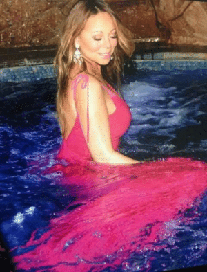 "themoufofthesouth: visionoflovemariah:  So beautiful ♥   ""I'm washing me and my clothes"" : themoufofthesouth: visionoflovemariah:  So beautiful ♥   ""I'm washing me and my clothes"""
