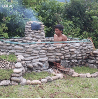 These guys built a heated pool using just their hands and primitive tools. Pure genius 🙌👏  Primitive Technology Idea: These guys built a heated pool using just their hands and primitive tools. Pure genius 🙌👏  Primitive Technology Idea