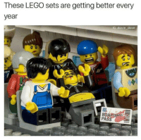 😂🤣🤣 https://t.co/rwAb4WSXJ1: These LEGO sets are getting better every  year  IG: davie dave 😂🤣🤣 https://t.co/rwAb4WSXJ1